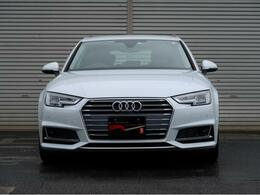 Audiのエンブレム【Four Silver Rings】が際立つマスクです