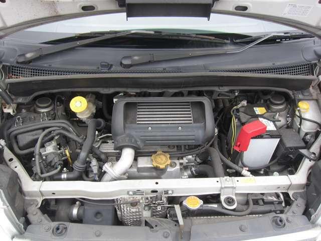 納車整備時にエンジンオイル・オイルエレメントの交換を実施致します。