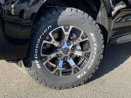 ☆人気のBFグットリッチAT KO2タイヤに、アルミはナイトロパワー ウォーヘッドを組み合わせています! ☆純正タイヤ&アルミもございますので、スタッドレス用等ご要望でお付けすることも可能です。