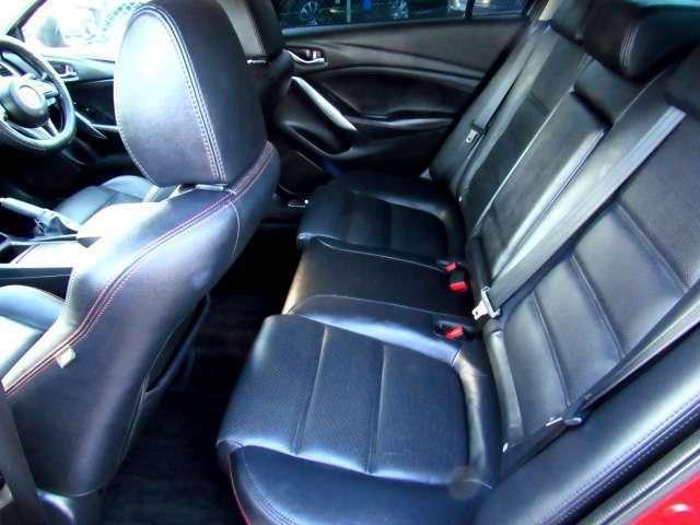 後部座席シート画像になります!!