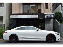 全長:5040mm×全幅:1910mm×全高:1420mm とてもスポーティーでお洒落な車両になります! ホイールカラーがブラックですので、より締まった雰囲気です!