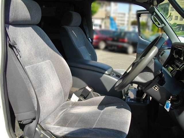 運転席シート 多少の使用感有り