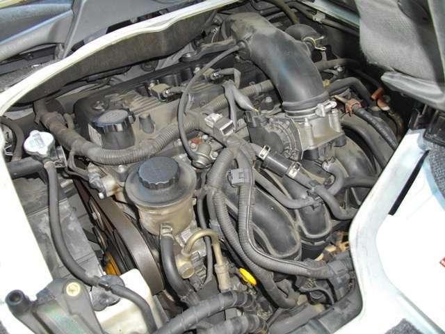 2000CC ガソリン車 100系最終なので200系エンジンと同じ 壊れにくい まだまだ行けます