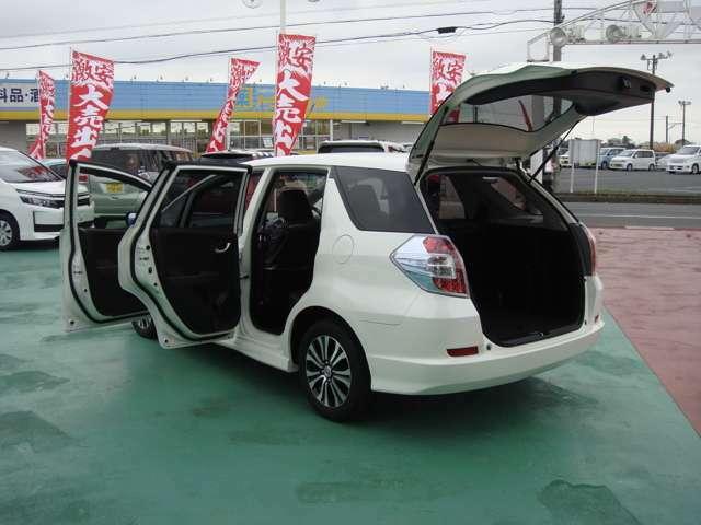 品質第一信用第一をモットーに地元密着営業中!!厳選仕入れの修復歴無し車を全国販売しております。