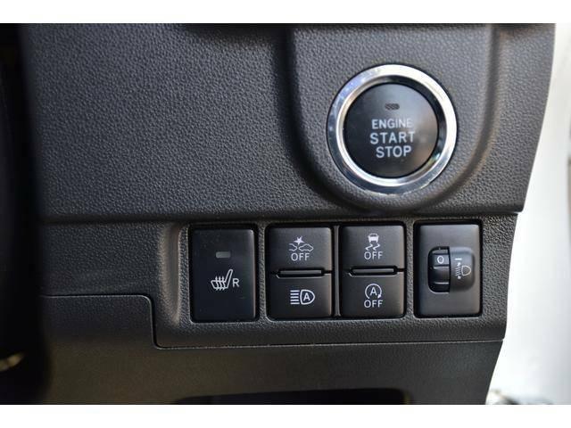 運転席シートヒーターのスイッチやオートハイビーム、スマートアシスト等のOFFスイッチが使いやすいように纏められています