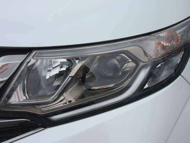 RPモデルより採用されております、LEDヘッドライトユニット♪ 夜間も明るく、夜道も安心ですね♪