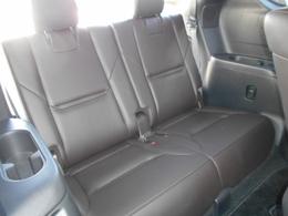 サードシートまでしっかりと安全性能を追求しております。