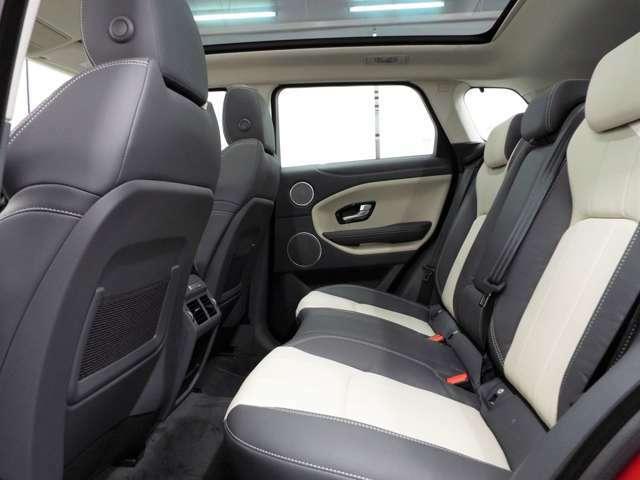 後席も使用感はほとんど感じられず大変綺麗なコンディションです。