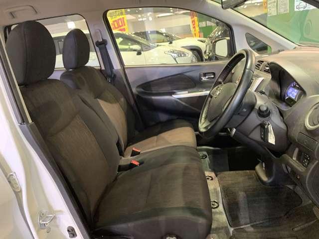 11【 フロントシート 】使えるフロントシートで快適ドライブ♪