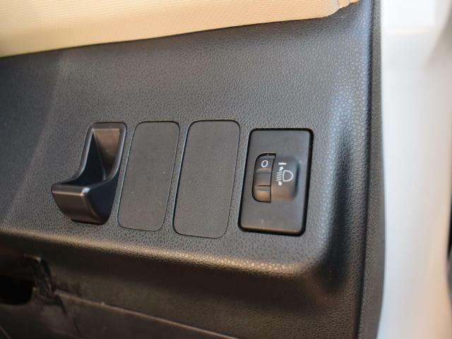 【リベライザー機能】乗車人数や積載量によって傾くライトの角度を任意で調整できます!