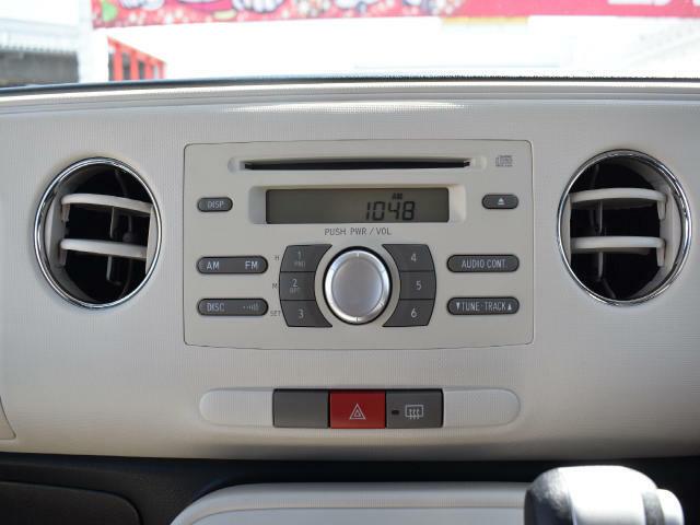 純正CDプレイヤーついています!ナビゲーションやドライブレコーダー、ETC等の付属品の追加も可能です!ぜひ、ご相談ください☆
