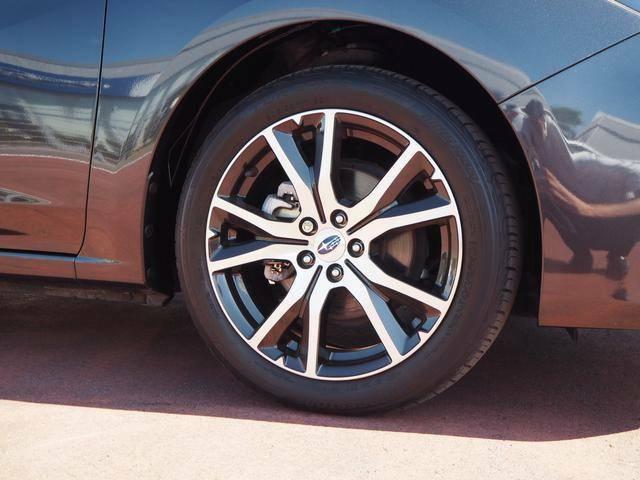 一台一台の品質の状態がはっきりと分かり、安心して車選びをしていただけるように、信頼のおける第三者機関が基準に従い車両品質を見 め、評価するのが「第三者評価」です。。