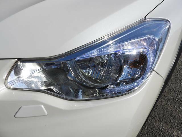 ◆HIDヘッドライト・フロントフォグランプ装備◆HID(高輝度放電)ランプは豊かな光量で、夜間の安全性を高めます◆