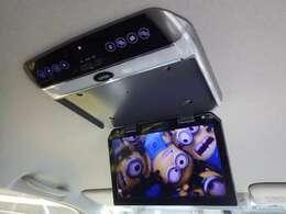 大型フリップダウンモニターは当社で取付済みです!DVDや、テレビも映すことが可能になります。お問い合わせは、web『中古車伊勢原』一発検索!当社ホームページよりご相談ください