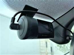 フロントにドライブレコーダーも付いております!
