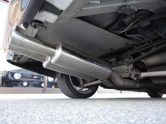 弊社は、三重県で唯一ゼネラルモーターズ・ジャパンより認定されたサービス工場を併設しており、アメリカ車を専門に安心と信頼をモットーにこれまで営業をさせていただいております。