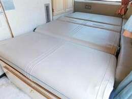 下段フラット時ベッドサイズ 長さ184cm幅115cm