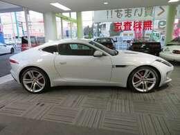 当社のお車は一般ユーザー様からの買取車輌で、安心出来る車輌を展示販売しております。