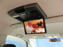 【アルパイン後席フリップダウンモニター】ミニバンには必須の装備!TVやDVD映像を映し出せます