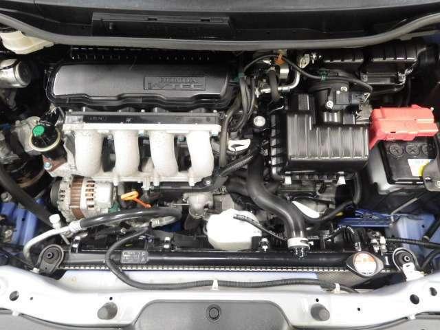車検整備付きです。整備時にはエンジンオイル、オイルフィルター、ワイパーラバーなど、消耗品の交換も致します。