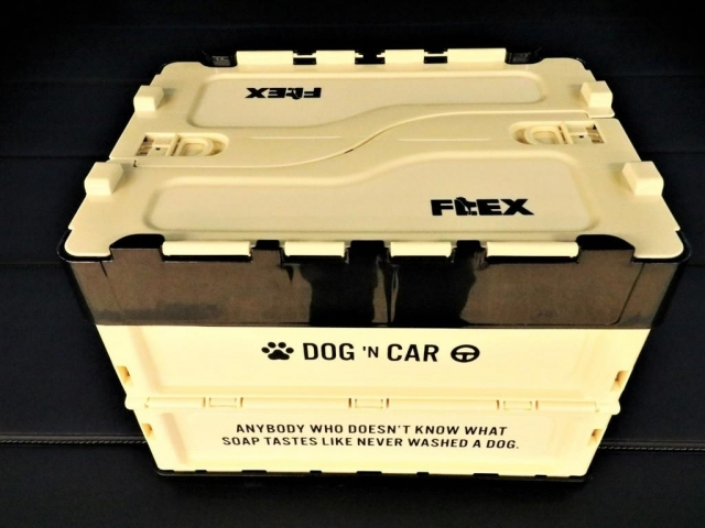 FLEXオリジナル【コンテナBOX DOG】です!ワンちゃんのお荷物を入れるのに丁度いいサイズ感です!