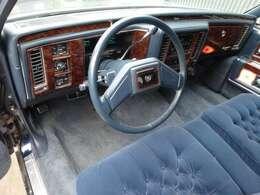 1992年 最終モデル キャデラック フリートウッド ブロアム デレガンス ディーラー車 ダブルクッションパワーシート 純正ワイヤーキャップ レザートップ ホワイトリボンタイヤ 各目4灯 スペアタイヤ