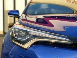 【シーケンシャルウィンカー】流れるようにウィンカーが光ります。見た目のかっこよさも倍増ですね!
