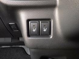 運転席・助手席シートヒーター付です。寒い日の心強い味方です。