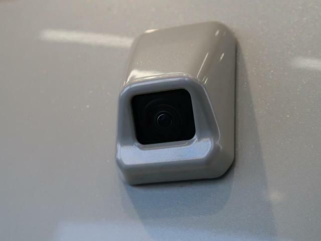 便利な【バックカメラ】でナビやディスプレイオーディオを装着することで、安全確認もできます。駐車が苦手な方にもオススメな便利機能です。