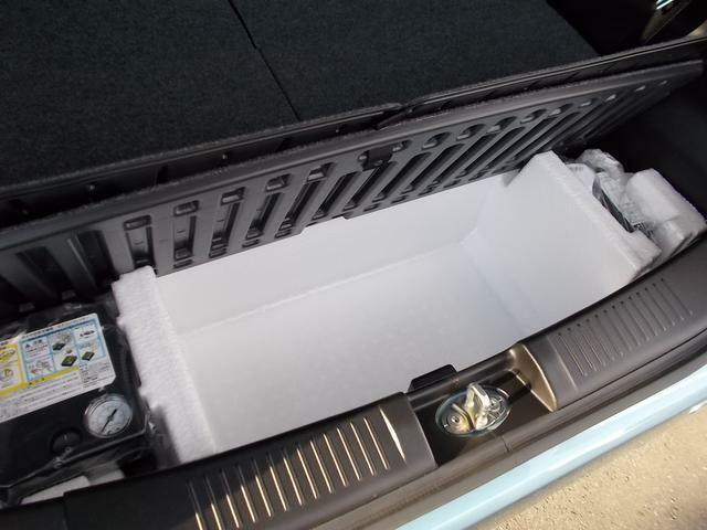 ラゲッジアンダーボックス☆ベビーカーを立てて収納することもできますよ☆ベビーカーのサイズによっては積載できないので、気になる方はスタッフまでご相談ください☆タイヤパンク応急修理セットも備わっています☆