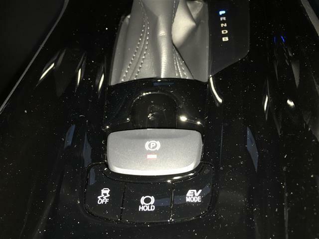 【電動パーキングブレーキ/横滑り防止装置/ブレーキホールド/EV MODE】