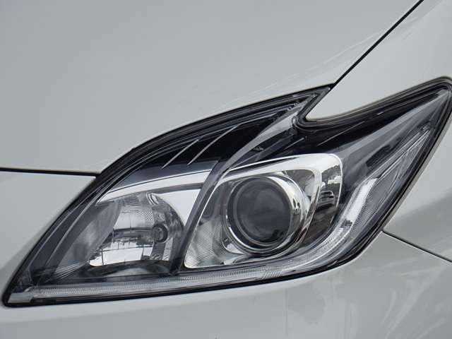 SALE価格!フォグランプも付いたFバンパー!ヘッドライトは純正HID仕様となり夜間の視界も良好です。ポジションはLEDにて光ります。