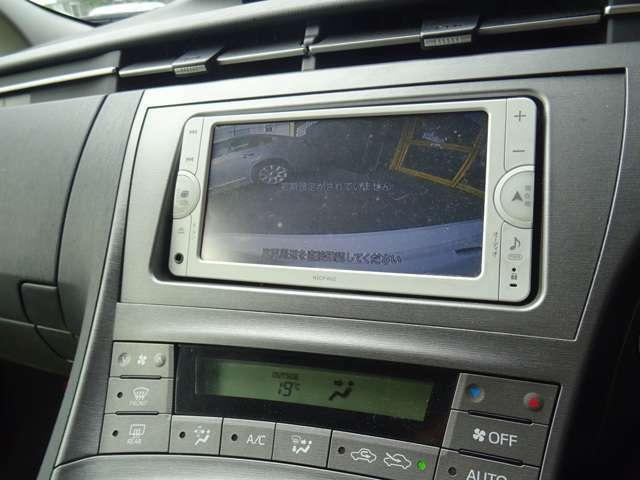 バックカメラも装備しております。ETC車載器も付いております。