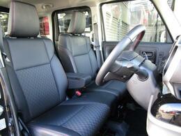 ベンチシートを採用することにより車内空間を広く感じさせてくれます!