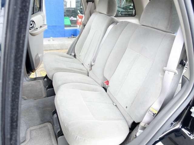 Bプラン画像:セカンドシートは用途に応じ、左右独立して折り畳み可能となります。お買い物やレジャー、旅行などにも適した一台となります。お気軽に047-441-4000までお問合せ下さいませ。