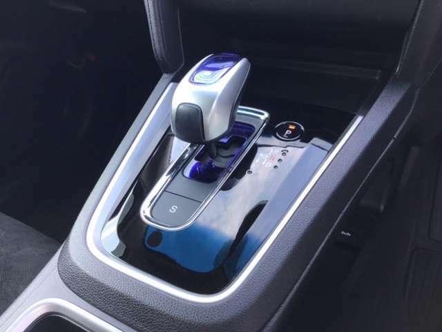 点検パック!次回車検までの間、半年ごとに定期点検とエンジンオイル交換を実施します。お得なパック料金で、お客様の愛車をサポート!詳しくは、営業スタッフへお尋ね下さい。