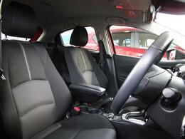 マツダがこだわるのは運転者様の姿勢(ドライビングポジション)です!まっすぐ座れるのって意外と当たり前じゃないんです♪