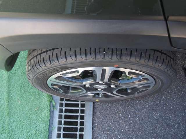 タイヤは四本とも新品を装着しております♪