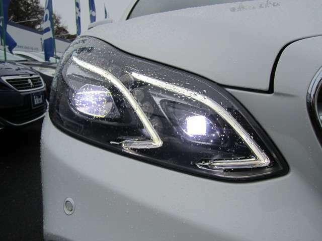 明るいLEDライトは夜道でもしっかりと視界を確保してくれます。
