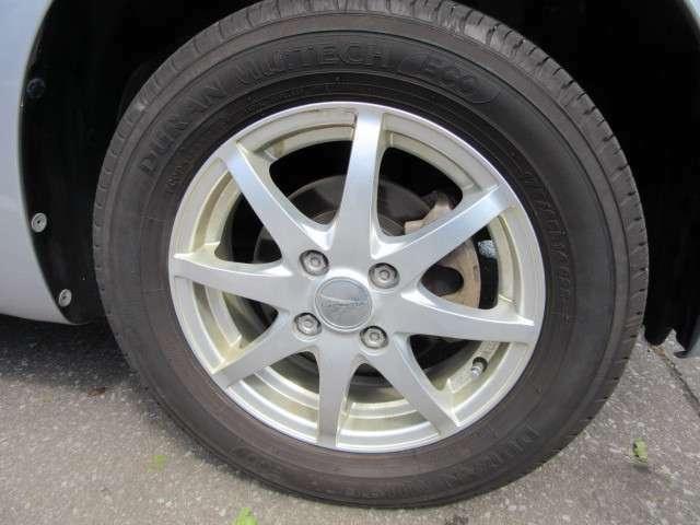 社外アルミに組まれた175/65-14のサマ-タイヤです。