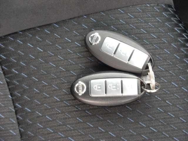 スマートキー(鍵の開け閉めも、エンジンの始動や停止もキーを出さずに身につけているだけでできるから、とても便利。)