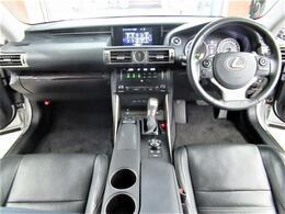 黒革シート・オートクルーズC・SDナビ・BTオーディオ・Bカメラ・USB・オートドアミラー・シートエアコン・パワーシート・電動サンシェード・パドルシフト・ETC・18AW・LEDライト・フロントフォグ