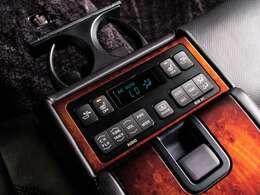 ★高級車ならではの後席機能が充実!リクライニングを始め、後席の乗られる方も快適にドライブをお楽しみ頂けます。