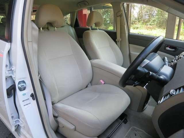 運転席シートコンディションです。擦れや汚れも無く綺麗な状態を保っております。