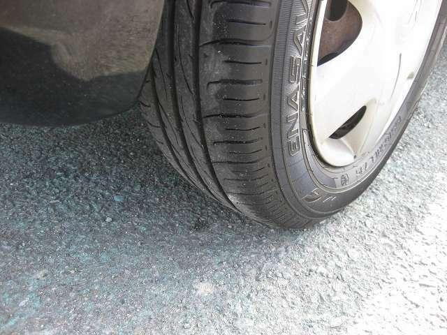 タイヤの溝十分にあります。