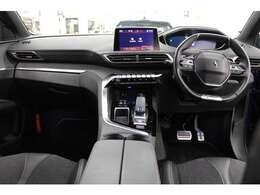 安全・快適装備を充実させた「3008 GTライン」のご紹介です。