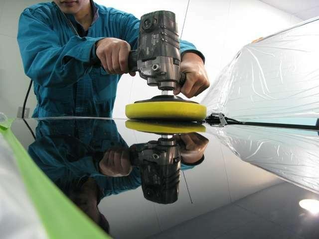 Aプラン画像:油性の汚れは寄せ付けにくく、汚れも水洗い程度で落とせます。酸性雨などにより塗装面をいためず、長期間にわたり輝きを持続させ、メンテナンスを軽減。