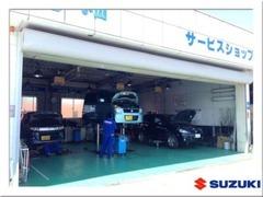 ◆サービス工場を併設しております。オイル交換、タイヤ交換からお気軽にお越し下さい。当店以外でご購入のお車も歓迎です。
