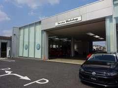 ショールームと併設しているサービスワークショップです。ご納車前の整備に「アフターサービス」も安心サポートしております。