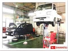国から認められた整備工場です。車検、点検、修理、タイヤ交換等、なんでも承ります!誰でもお気軽に、ご利用ください。